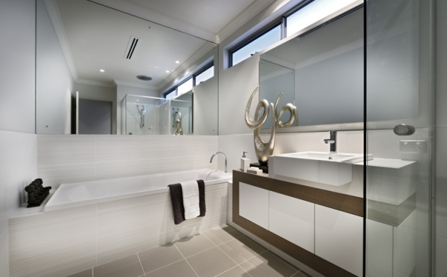 Bathroom layout - does not include silver coated stag horns.