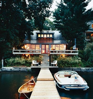 Source:  Top Celebrity Homes.