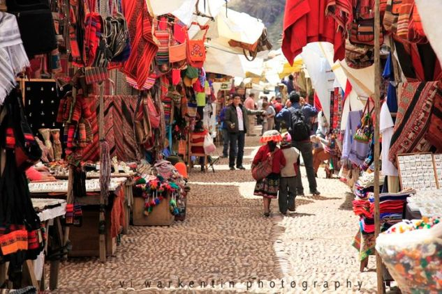 Amazing textiles at the Pisac Markets, Peru.  Photo with thanks to Vi Warkentin Photography.