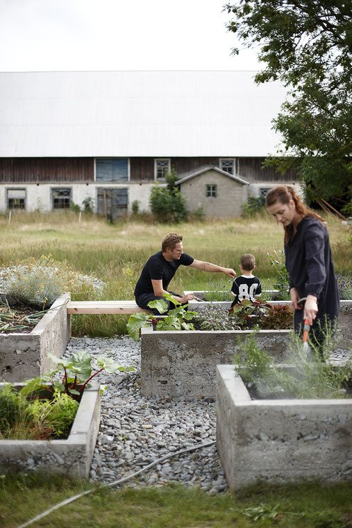 Concrete kitchen garden.  Photo source:  Skarp Agent (unverified).